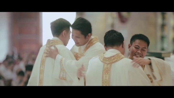 Êtes-vous assez faibles pour être prêtres ?