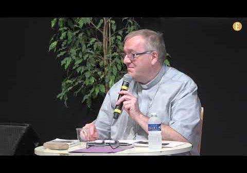 """""""N'ayez pas peur d'être des saints"""" – Mgr Yves Le Saux"""